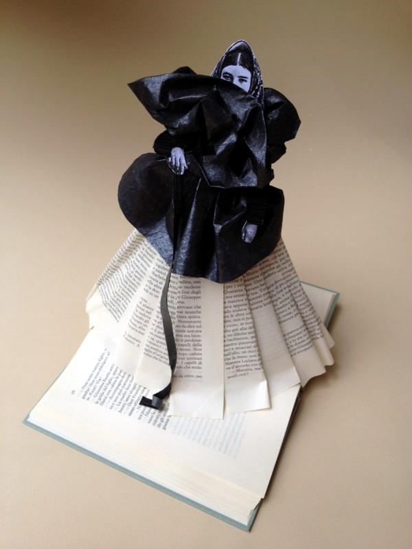 Accabadora-paper sculpture
